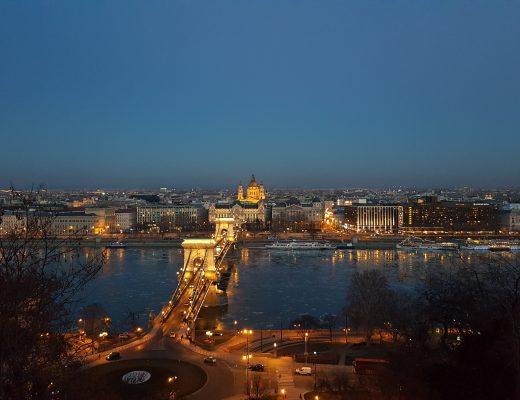 Uitzicht over Boedapest vanaf de Burchtheuvel