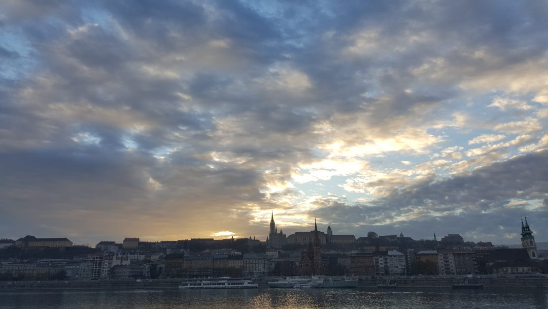 Op zoek naar het beste uitzicht van Boedapest? Op doeninboedapest.nl deel ik vijf keer de mooiste uitzichten over de stad.